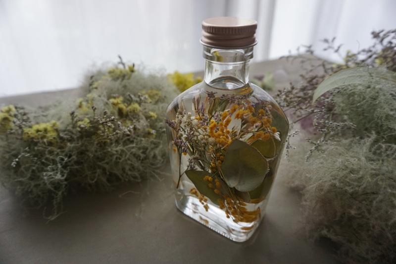ハーバリウム 【植物標本】あなた好みの花を瓶にアレンジ Huile de fleur marinée「花のオイル漬け」